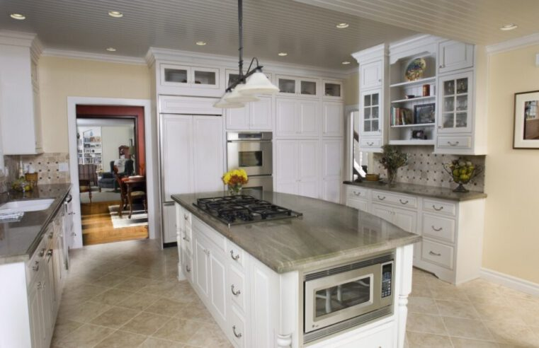 How to Remodel Your Kitchen With Cabinet Refacing